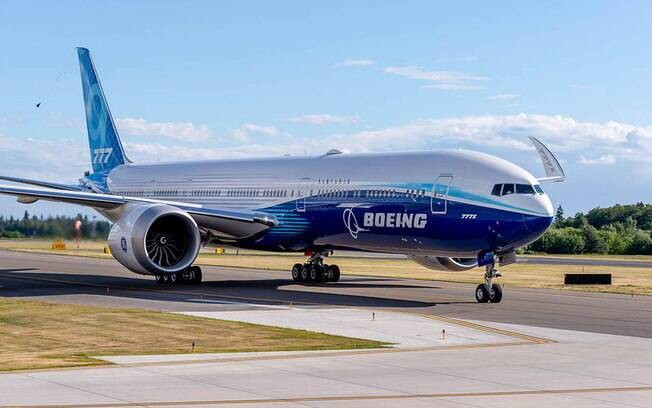 Voo inaugural do novo modelo da Boeing acontece nesta sexta-feira