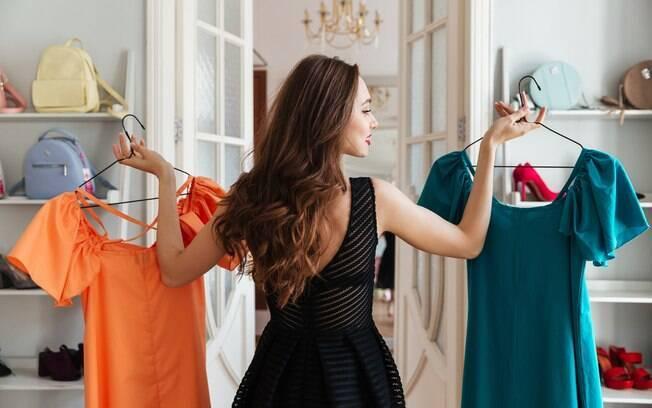 As pessoas estão prestando atenção nas roupas da moda que estão em alta nas outras culturas, principalmente orientais