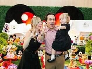 Marcelo Müller, 33, Lumara Passos, 31, com a filha Georgia, 2, morreram carbonizados após queda de helicóptero