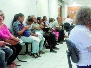 Dúvidas. Usuários enchem a sede da Vitallis em Belo Horizonte em busca de informações