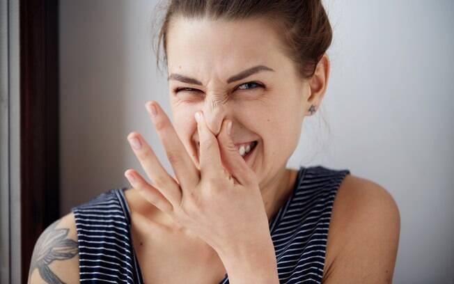 Não pode ter nojo: criar o hábito de olhar para as fezes antes de apertar a descarga pode ser importante para a saúde