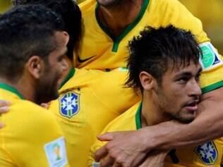 Craque brasileiro marcou dois dos três gols da vitória brasileira