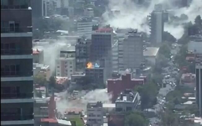 Veja vídeos de momentos desesperadores durante terremoto no México