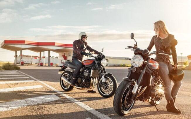 Kawasaki Z900 RS tem pegada esportiva  e conjunto bem acertado entre os principais destaques