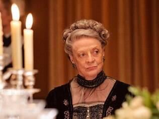 """Agônica. Lady Violet de Maggie Smith é a voz agônica da aristocracia na série """"Downton Abbey"""""""