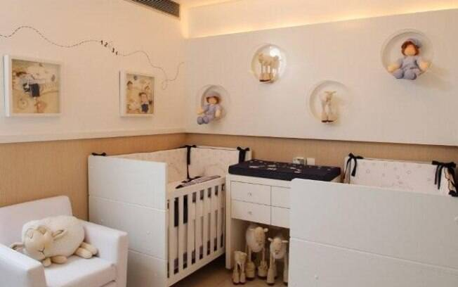 O trocador é um móvel do quarto infantil que pode ser dividido entre os gêmeos. Invista na ideia