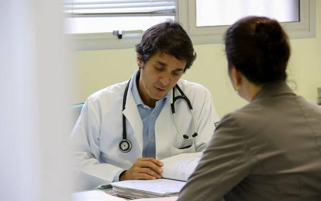 Apesar da crítica à saúde, outro levantamento indica que os médicos são os profissionais com maior grau de confiança