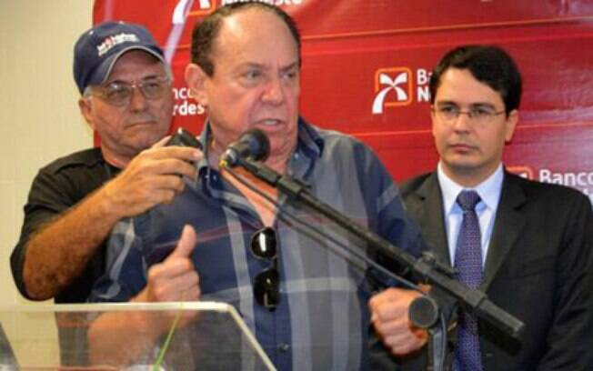 Deputado federal pelo PMDB do Ceará, Aníbal Gomes é investigado no inquérito que envolve 37 pessoas. Foto: Divulgação/Governo Municipal de Acaraú