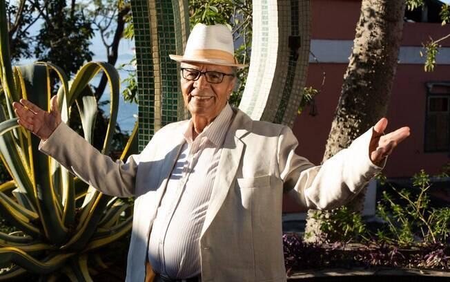 Aos 85 anos, sambista lança novo álbum
