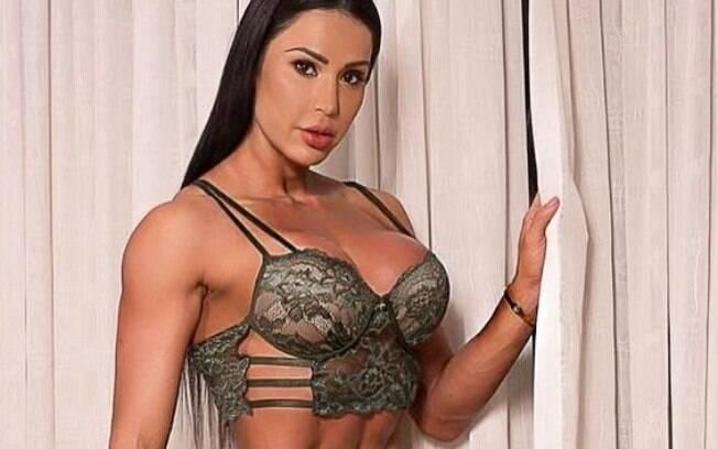 Gracyanne Barbosa posou de lingerie em seu Instagram