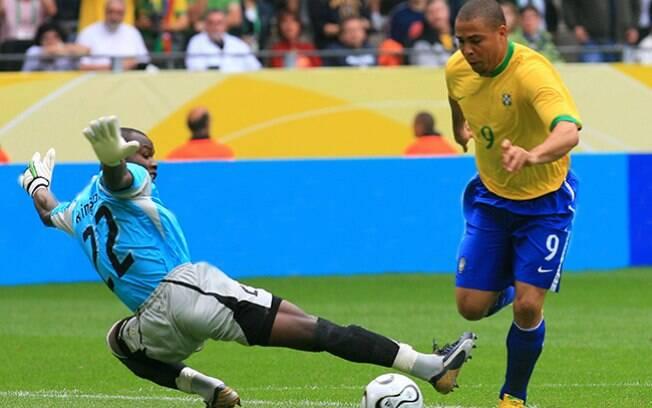 Ronaldo Fenômeno marcou três gols na Copa do Mundo de 2006, mas admitiu que jogou acima do peso