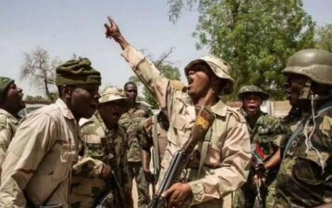 Ativistas dizem que Boko Haram já sequestrou mais de 2 mil mulheres