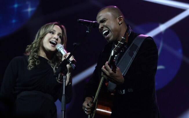 Claudia Leitte canta ao lado de Alexandre Pires