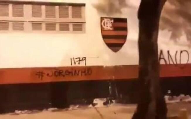 pichação muro flamengo
