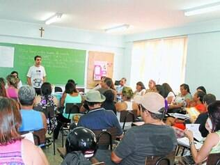 Estratégia.  Na quinta-feira (13), educadores se reuniram para definir o cronograma das paralisações
