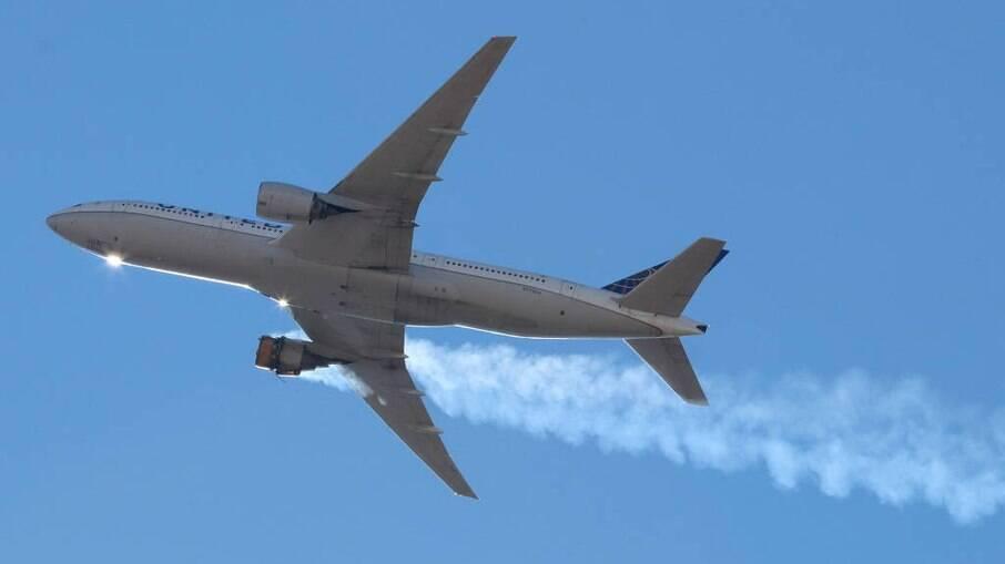 Boeing 777-200 da United preocupou autoridades por possíveis danos dos destroços em solo