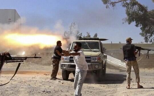 Combates entre forças da Líbia e militantes islâmicos matam 38 em Benghazi - Mundo - iG