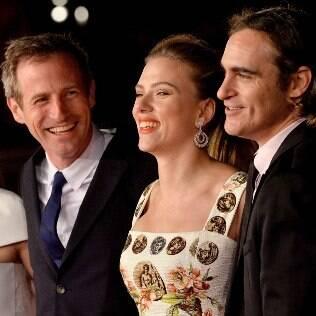 Spike Jonze, Scarlett Johansson e Joaquin Phoenix na exibição de 'Ela' no Festival de Roma no ano passado
