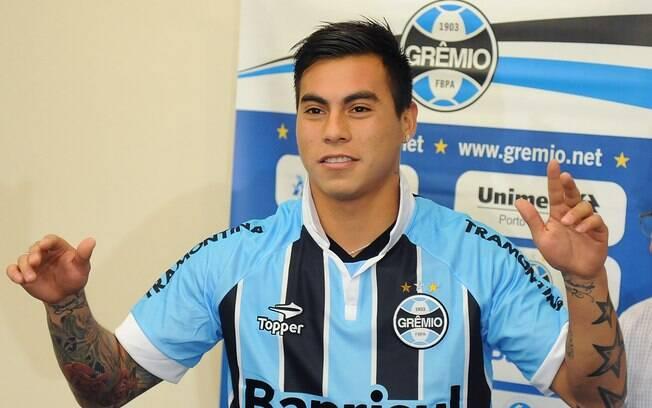 Contratado por empréstimo pelo Grêmio, o  chileno Eduardo Vargas é o quarto da lista: R$  35,9 milhões