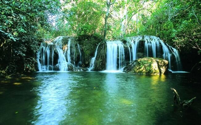 Cachoeira da Estância Mimosa é uma das mais visitadas em Bonito
