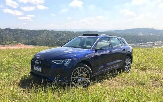 Audi e-tron: Utilitário, esportivo, urbano, aventureiro, tecnológico, enfim, o que você quiser que ele seja
