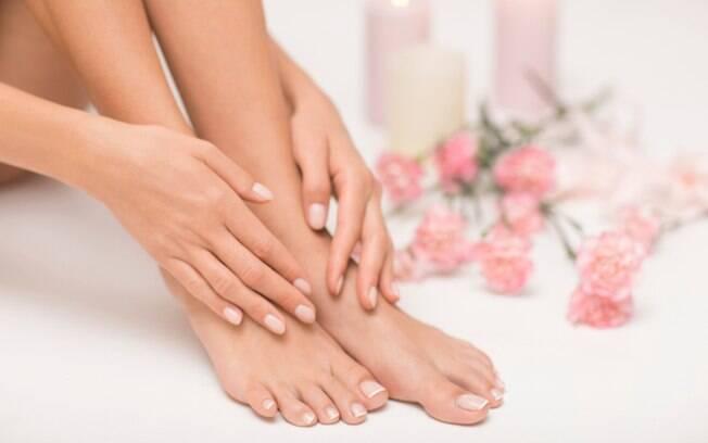Cuidados com os pés: 10 truques para deixá-los mais macios e hidratados