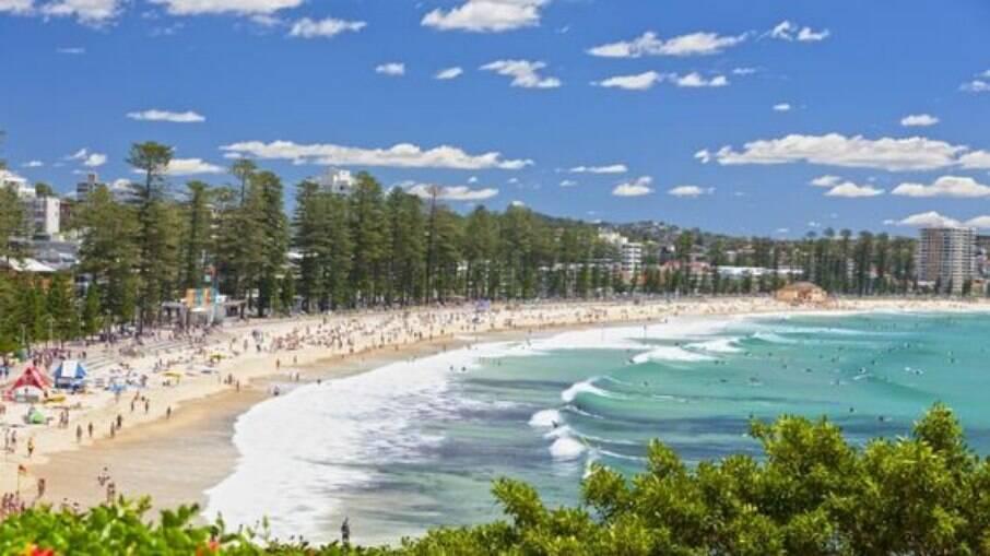 Aos arredores de Sydney, a Manly Beach é apreciada por turistas do mundo todo