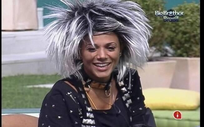 Fabiana riu lembrando da cantoria da noite anterior