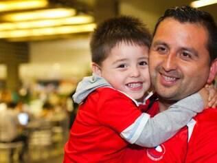 Poucos chilenos foram acompanhar a chegada da seleção ao Brasil