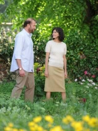 Roseiras, lavandas, lírios e trepadeiras ajudam a reproduzir o jardim do filme 'A Delicadeza do Amor'