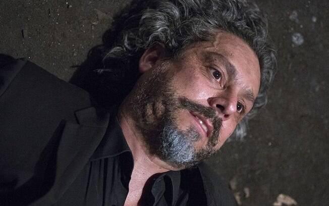 Império: José Alfredo forja a própria morte, abandona ostentação e sai em busca de tesouro