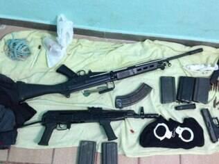 As detenções resultaram na descoberta do arsenal dos criminosos