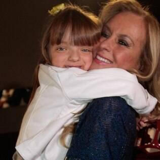 Helô Pinheiro com a neta, Rafaella Justus