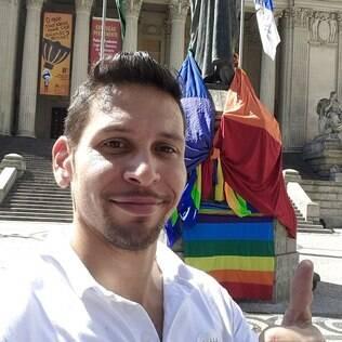 Julio Moreira, diretor Sócio-Cultural do Grupo Arco-Íris e secretário regional da Associação Brasileira de Lésbicas, Gays, Bissexuais, Travestis e Transexuais (ABGLT)