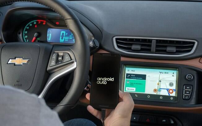Nas centrais multimídia com Android Auto, como a Mylink do GM Onix, o Waze vai passar a funcionar normalmente