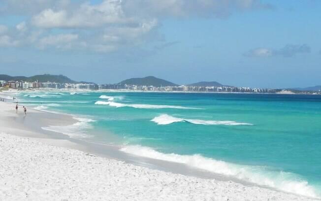 Cabo Frio chama atenção dos turistas pelas praias de areia branca e mar cristalino