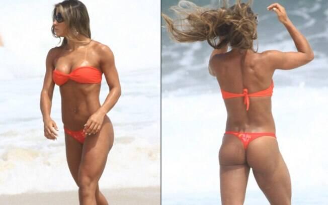 Mayra Cardi mostra boa forma em praia carioca