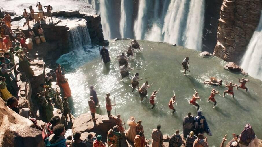 A cena Warrior Falls (foto), de