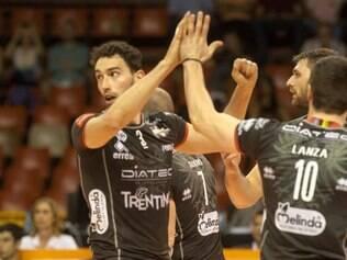 Italianos conseguiram superar a forte equipe do UPCN e conquistaram a primeira vitória