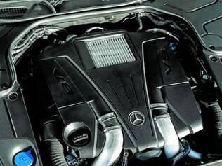 Silenciador de escape com defletores móveis acentua ronco do V8