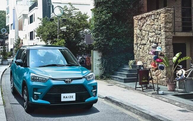 Toyota Raize estreia novo motor 1.0 turbo de três cilindros e tração integral
