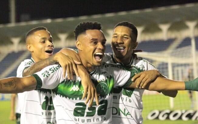 Guarani goleia o Confiança e entra no G4 da Série B