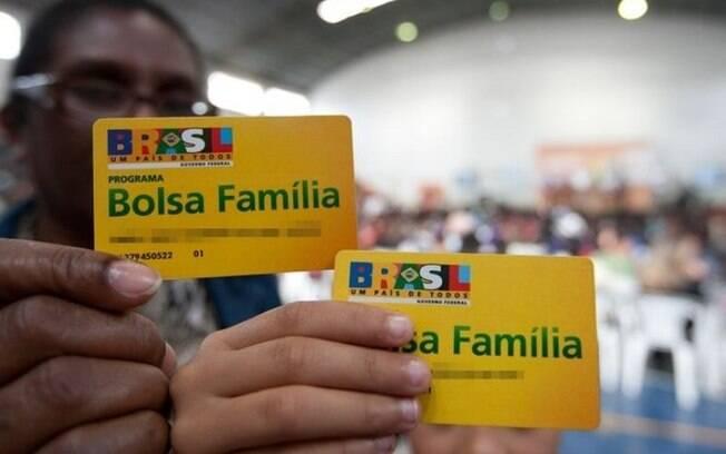 Beneficiários do Bolsa Família recebem 2ª parcela de auxílio