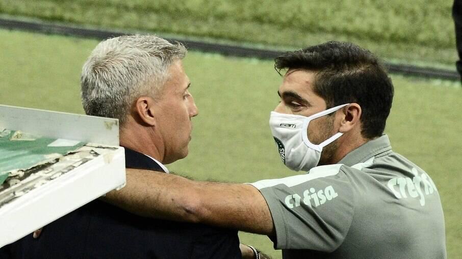 Neto critica Crespo e Abel após empate