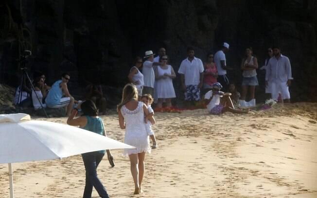 Cerimônia reuniu parentes e amigos do casal em Fernando de Noronha