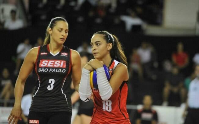 Juliana atua ao lado de Dani Lins no Sesi.  Ela e Rosamaria foram convocadas para seleção  brasileira de base. Gabi já esteve no time de Zé  Roberto