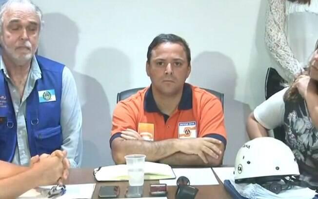 Prefeito de Niterói, Rodrigo Neves prometeu entregar moradias até o fim do ano
