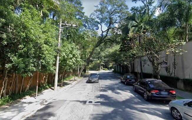 Acidente ocorreu na Rua Margarida Galvão
