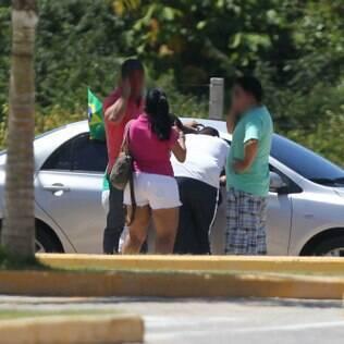 Cambistas atraem interessados com muita simpatia e sem medo da polícia