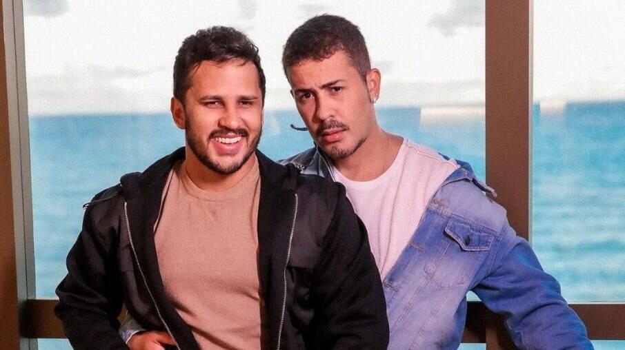 Lucas Guimarães e Carlinhos Maia gravam vídeos íntimos